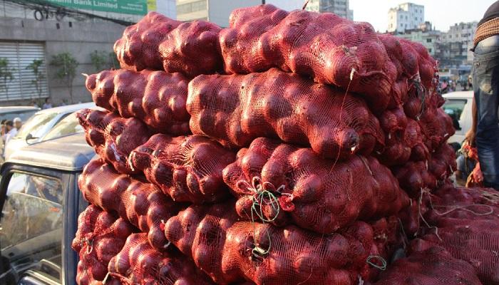 New onion hits Madaripur market