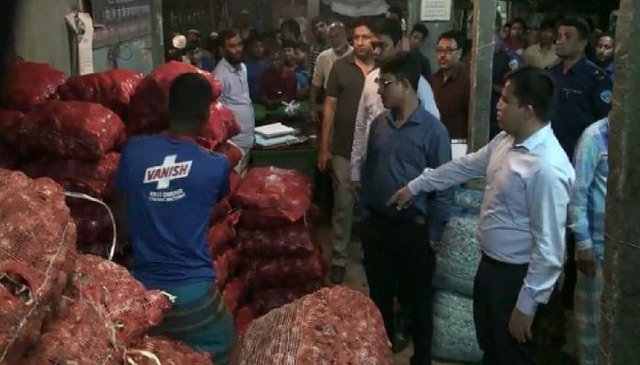 Crackdown on hoarding: 42 sacks of onion seized in Laxmipur