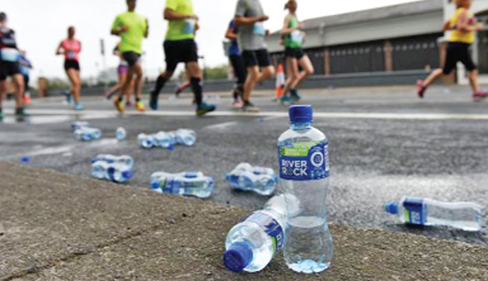 Runners to be disqualified for dropping litter