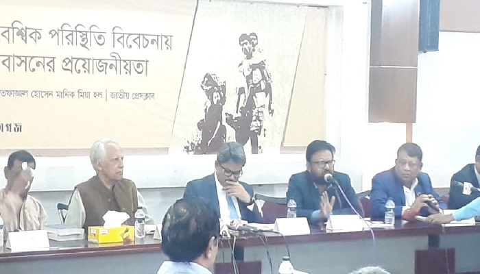 "Bangladesh to see ""big trouble"" if Rohingya crisis remains unresolved"