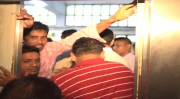 BNP's Amir Khasru, others stuck in CMCH's lift for 15 minutes