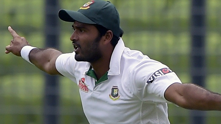 Cricketer Shahadat Hossain beats teammate during national league match