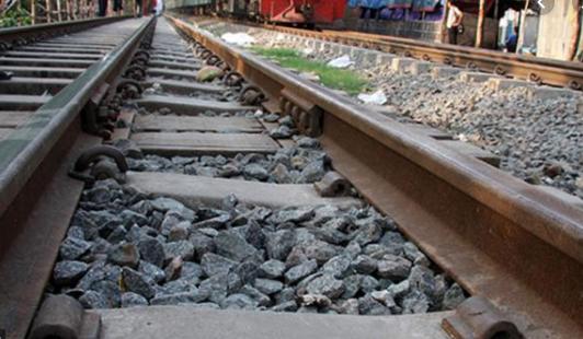 Man crushed to death under train wheel in Jamalpur
