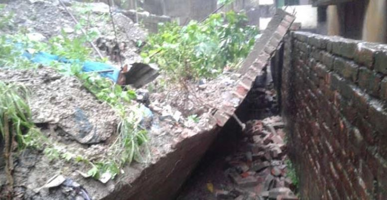 Worker dies in Mymensingh wall collapse