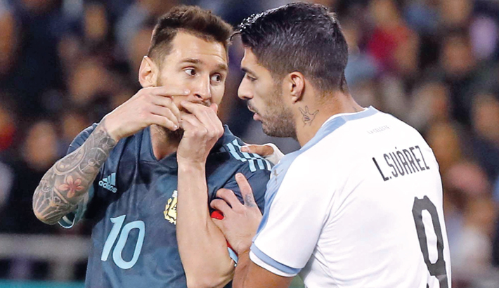 Argentina escape defeat with late penalty