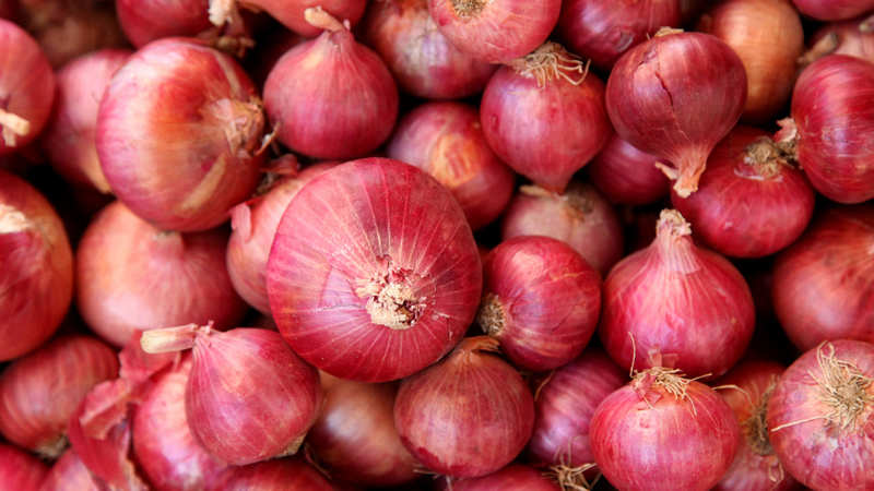 82 tonns of onion arrives from Pakistan