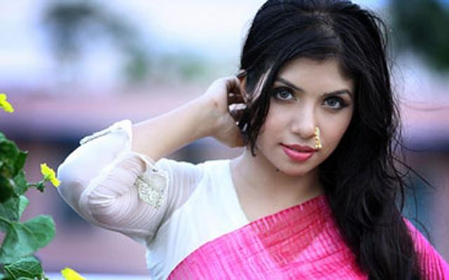 HC stays trial proceedings of actress Nawshaba's case