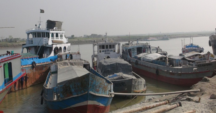 Transport strike halts Faridpur river port activities