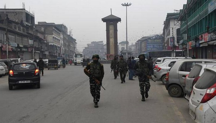 Kashmir shutdown: Shops, business establishments closed for 3rd consecutive day