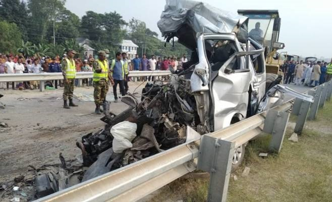 10 of wedding party killed in Munshiganj road crash