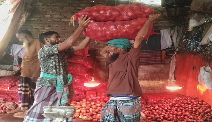 30,000 maunds of onion arrive from Myanmar