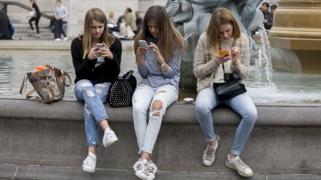 TikTok sent US user data to China, lawsuit claims