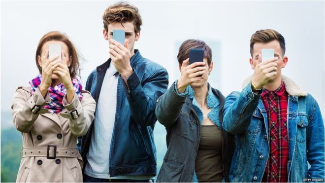 Smartphone 'addiction': Young people 'panicky' when denied mobiles