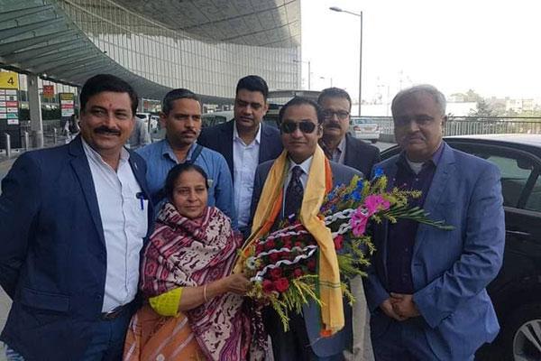 West Bengal BJP leader greets Bashundhara Group MD at Kolkata airport