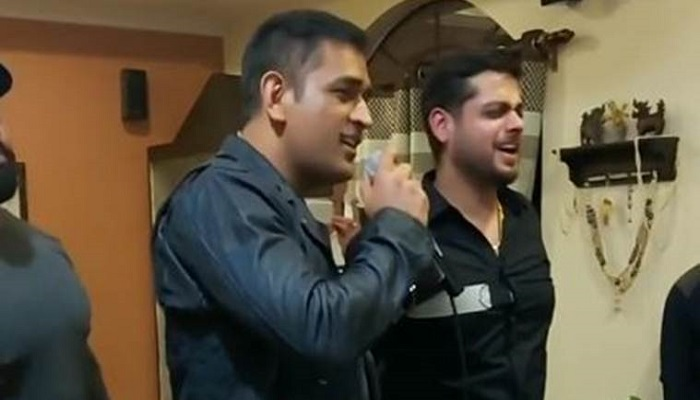MS Dhoni sings old Bollywood song, video goes viral (Watch)