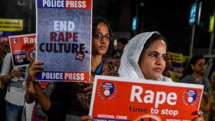India woman set on fire on her way to rape case hearing