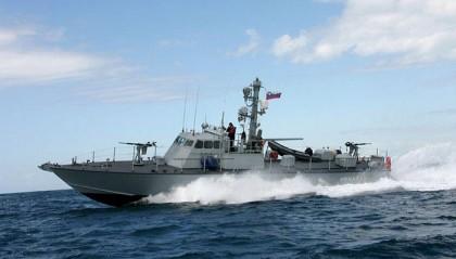Myanmar Navy hand over 17 Bangladeshi fishermen