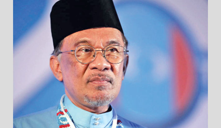 Fresh push for Anwar to take over as Malaysian PM