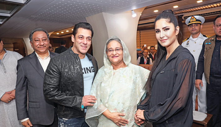 Salman Khan and Katrina Kaif pose for a photograph with Prime Minister Sheikh Hasina