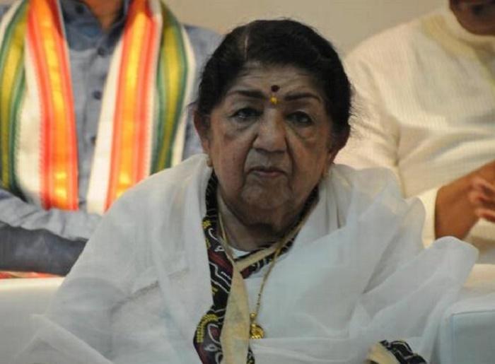 Lata Mangeshkar returns home from hospital