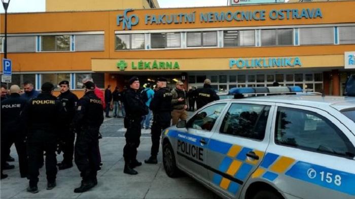 Gunman on run after shooting six dead at Czech hospital