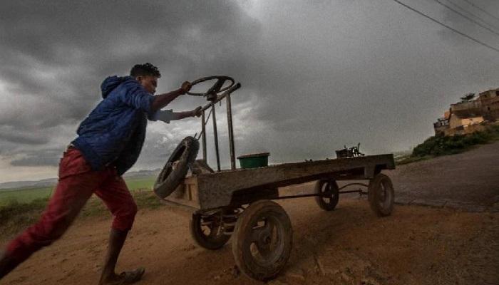 Cyclone hits Madagascar, killing 9 and making 1,400 homeless