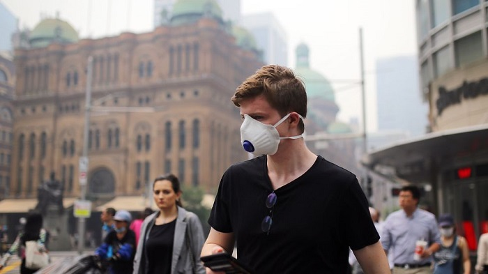 Sydney smoke: Residents 'choking' on intense bushfire pollution