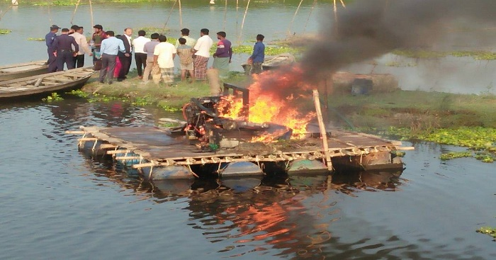 3 dredging machines seized in Manikganj