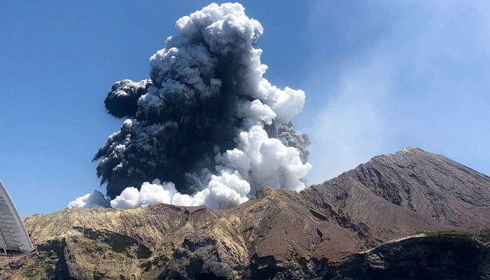 New Zealand volcano: Death toll climbs to 8