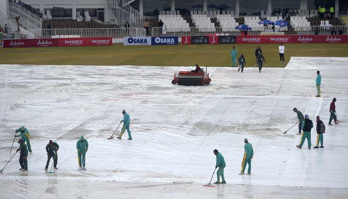 Rain forces suspension of play in historic Pakistan Test