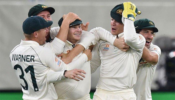 Smith blinder puts Australia on top