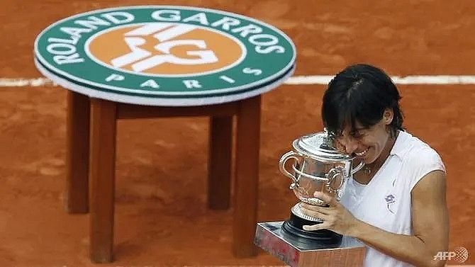 Former Roland Garros champion Schiavone 'wins' cancer fight
