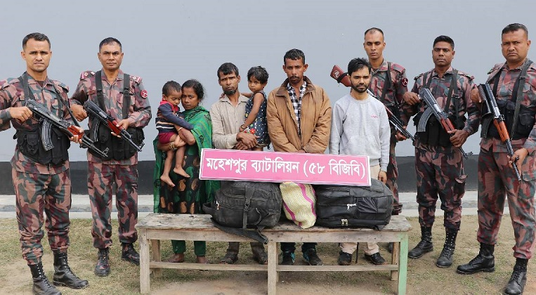 6 held along Jhenaidah border while entering from India