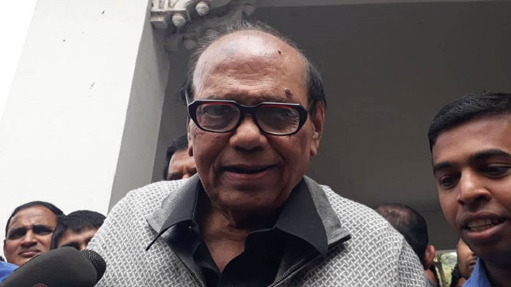 Moon Cinema Hall owner gets Tk 100 crore cheque