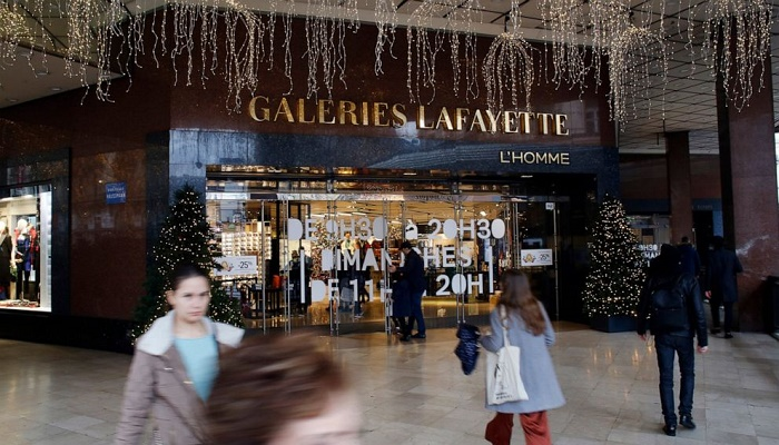 Transport strikes disrupt Christmas travel in France