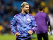 Guardiola hails 'irreplaceable' Aguero