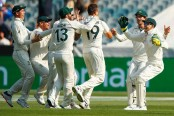 New Zealand lose early wickets as Australia take charge of second Test