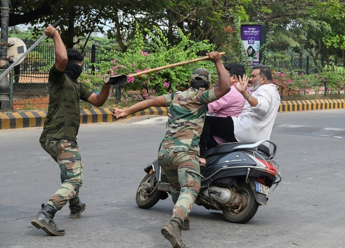 The 'lathi': India's colonial vintage anti-protest weapon