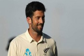 Ailing New Zealand call up Sydney specialist for third Test