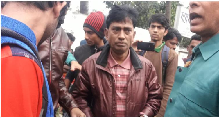 Handcuffing journalist: Journos block road in Khulna
