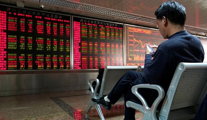 Crude and gold extend gains, stocks sink on fear of US-Iran war