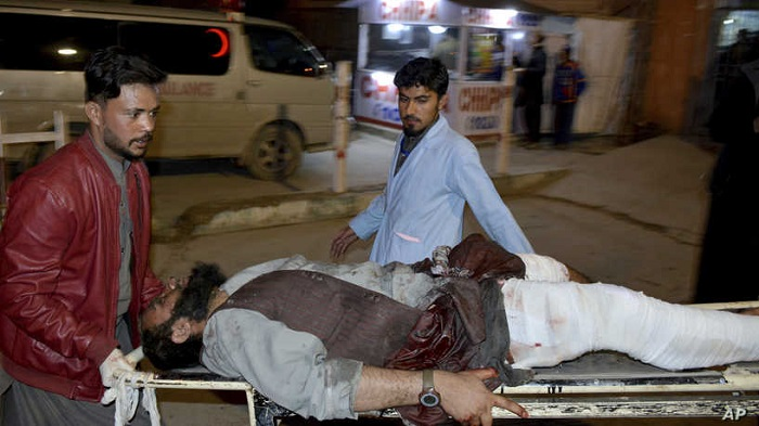 15 killed in Pakistan mosque suicide bombing