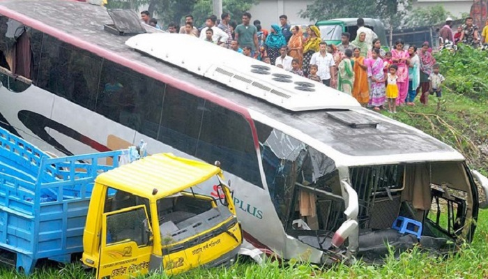 8,543 killed in 6201 road, rail, riverway accidents in 2019