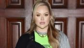 Dutch beauty Youtuber unveils herself as transgender