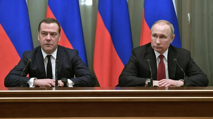 Putin names new PM, lays out constitutional reforms
