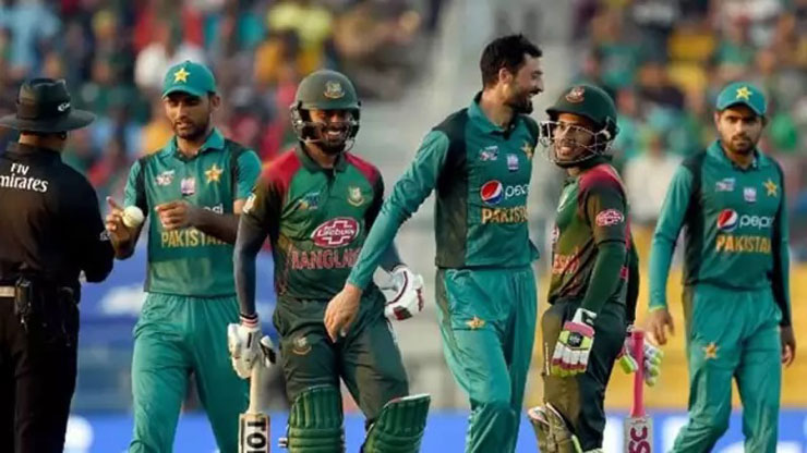 Hafeez, Malik return as Pakistan announces squad for Bangladesh T20Is