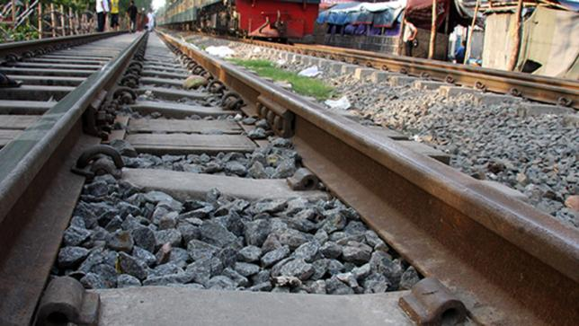 Two elderly men run over by trains in Chapainawabganj, Cumilla
