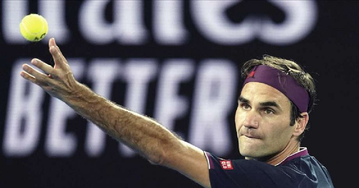 Federer, Kvitova advance at Australian Open