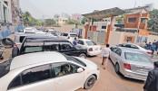 Weak enforcement of rules multiplies traffic chaos