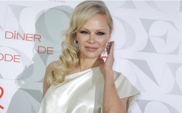 Pamela Anderson marries for fifth time